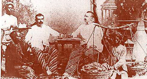 Dutch entrepreneurs settled in Indonesia, wearing batik clothes.
