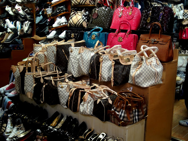 Image 1: Louis Vuitton imitation markets in Jakarta