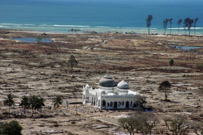 Lampuuk District Mosque following the 2004 Tsunami Joel Saget (2011) http://www.abc.net.au/news/2014-12-26/baiturrahman-mosque-a-testament-to-acehs-survival/5977720