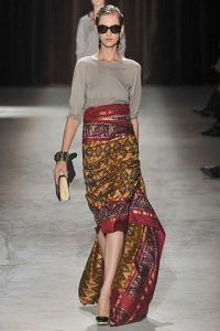 Batik taking over on modern fashion world. Dries Van Noten, Spring 2010.
