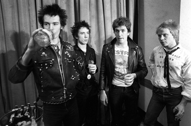 sex-pistols-1977-bw-billboard-1548.jpg
